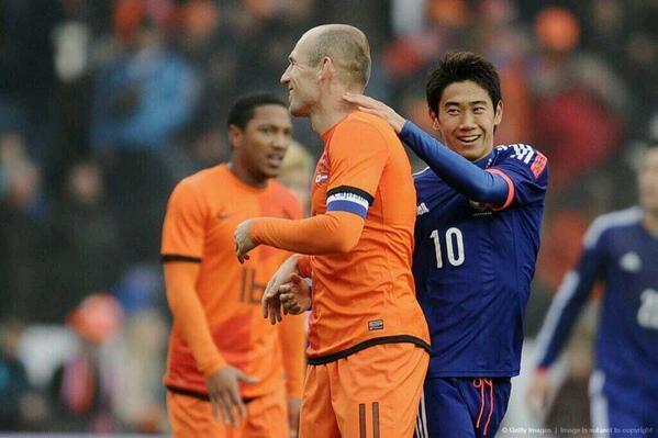 香川真司 ロッベン サッカー 日本代表 オランダ 引き分け