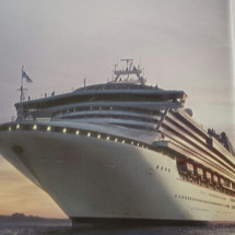 大型クルーズ客船