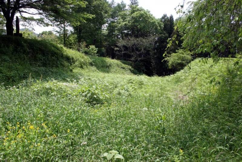 深沢城/本丸を囲む堀跡