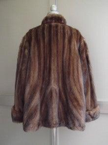 大木毛皮店工場長の毛皮修理リフォーム-毛皮のコートのリメイク