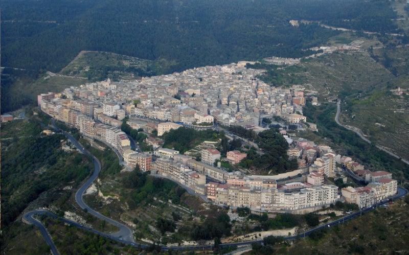 シチリアのオリーブオイル「ポリフェーモ」が1月中旬にリリースされます
