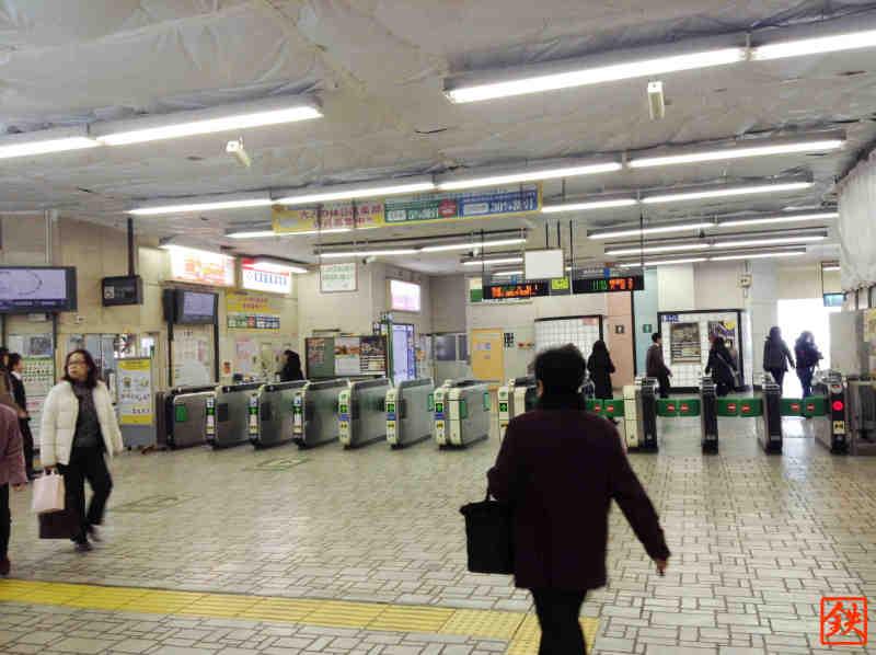 蕨駅改札1