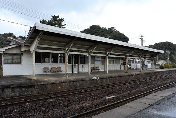 江崎駅   やまてつ