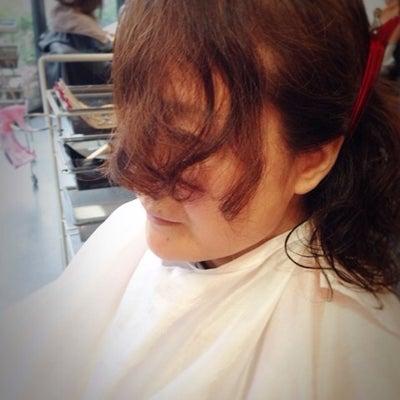 【人気投稿】癖のある髪でも…前髪は作れますか?の記事に添付されている画像