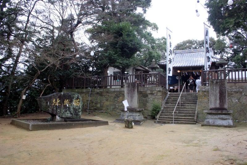 猫城/城址碑と社殿