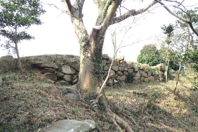 花尾城/⑦本丸の石垣