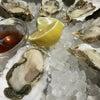 恵比寿のフィッシュハウスオイスターバーで牡蠣いっぱいの画像