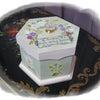 六角ボックスに川島先生の「早春草花」の画像