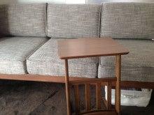 ソファーとサイドテーブル