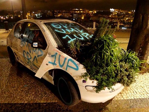 リスボンのぼろい車