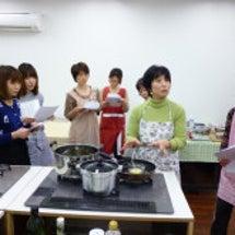 料理教室はこんな感じ…