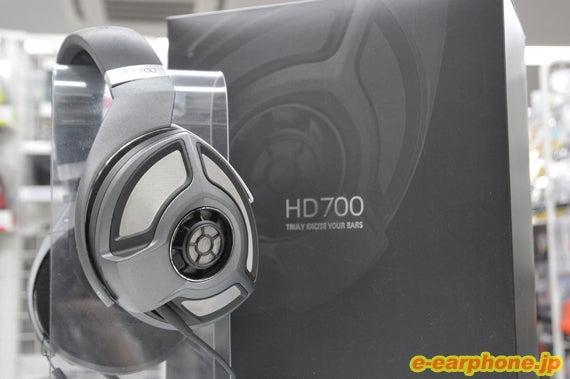 HD700