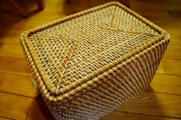 積み重ねができるラタンバスケット 丁寧な作りで自然な手編み風、頑丈な作り