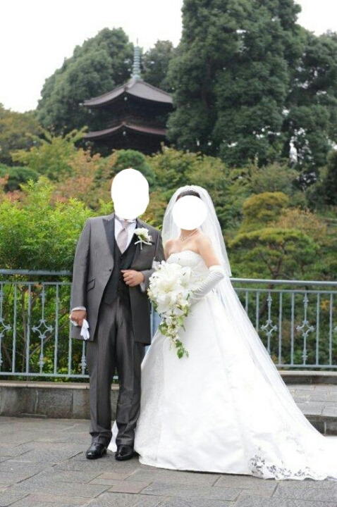 ヒサコタカヤマもフォーシスアンドカンパニーも気に入っていましたが、ウエディングドレスは1着しか選べないと泣く泣く\u2026