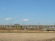 手前が東北道、先が新幹線