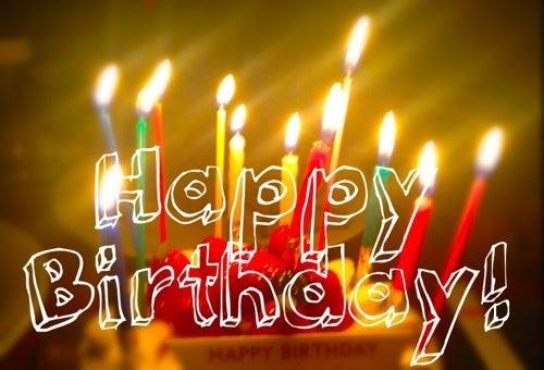 日 英語 誕生 コメント 「遅ればせながらお誕生日おめでとう」「少し早いけど誕生日おめでとう」英語で言うと