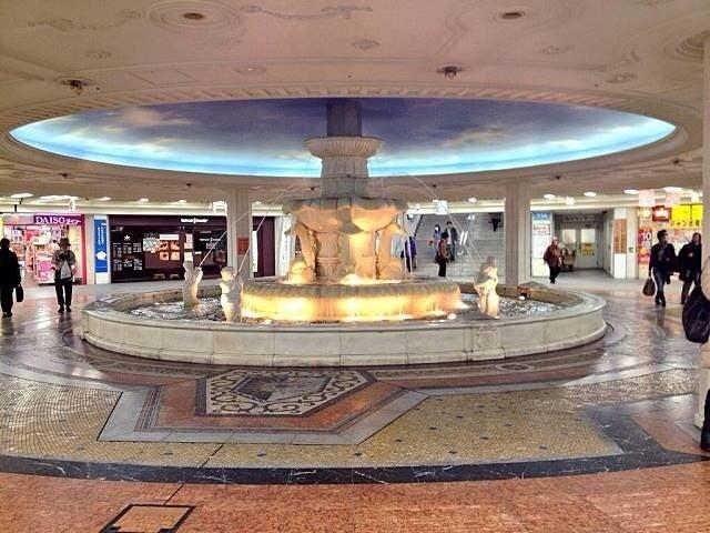 広場 泉 の ホワイティ 梅田 梅田阪急から泉の広場への簡単な行き方は?大阪・梅田ダンジョンの迷わないための攻略法も みかんと傘とコッペパン。