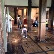 松本城床磨き