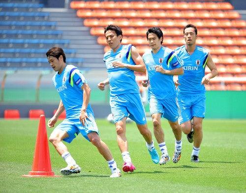 W杯 海外組 日本代表フォジカルトレーニング 合宿開始