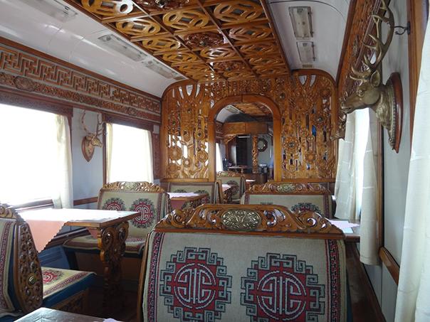 シベリア鉄道の食堂車