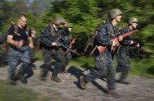 過酷な特訓 米海軍兵学校   戦車...