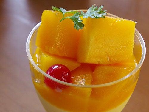 注目の夏スイーツ「とろけるマンゴープリン」