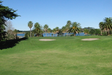 クラークスビーチゴルフ場 5番ホール