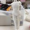 人形制作中の画像