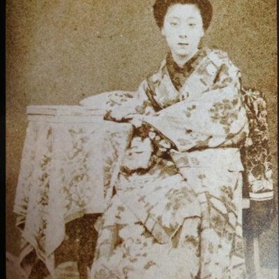 明治、大正期の有名名妓たちの記事に添付されている画像