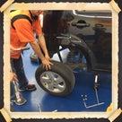 母、タイヤ交換を学ぶの記事より