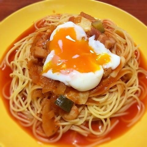 トマトスープパスタ~温玉のせ
