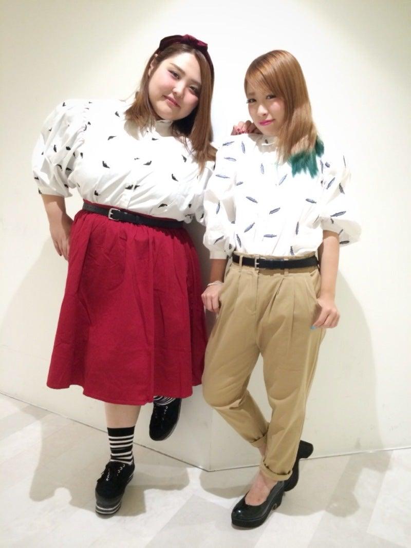 PUNYUS STAFF BLOG大人気!!総刺繍ブラウス双子コーデ★PUNYUS SHIBUYA109店