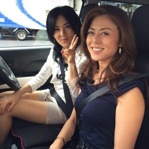 井森美幸さんと笑顔でツーショットの武田久美子