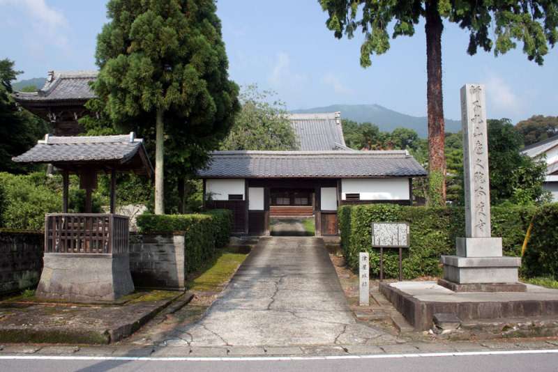 津屋城/①本慶寺