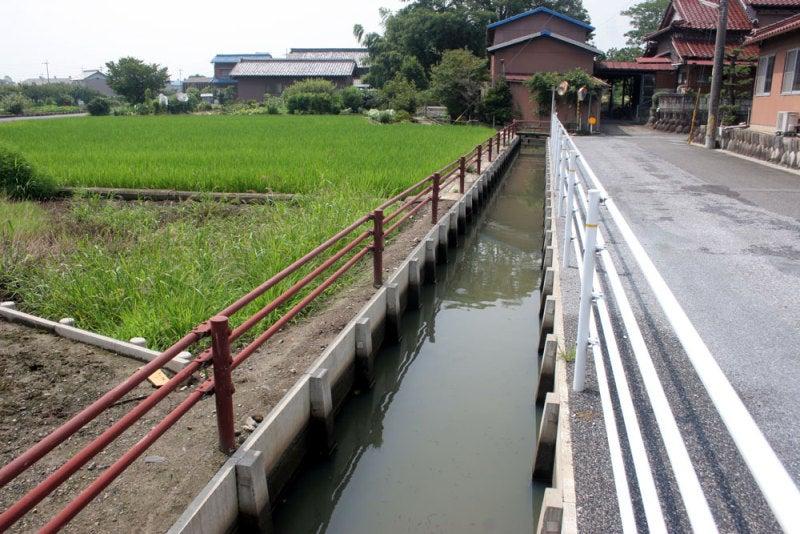 大葉城/②お寺の前の水路