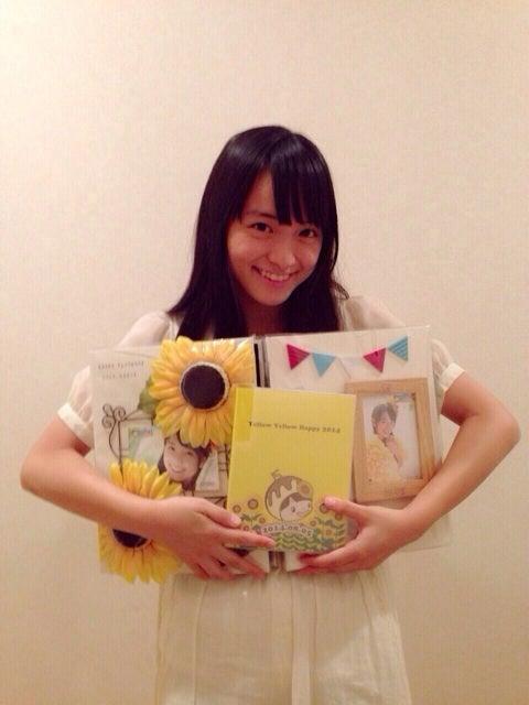 プレゼントを持った清井咲希
