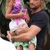 お久しぶり♪2014年8月3日 ガブリエル・オーブリーと娘のナーラ 弟マセオくんの写真の画像