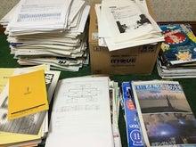 大量の本や雑誌ww