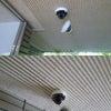 オフィスビルの共用部駐車場スペースに防犯カメラの取付施工@豊島区池袋本町の画像