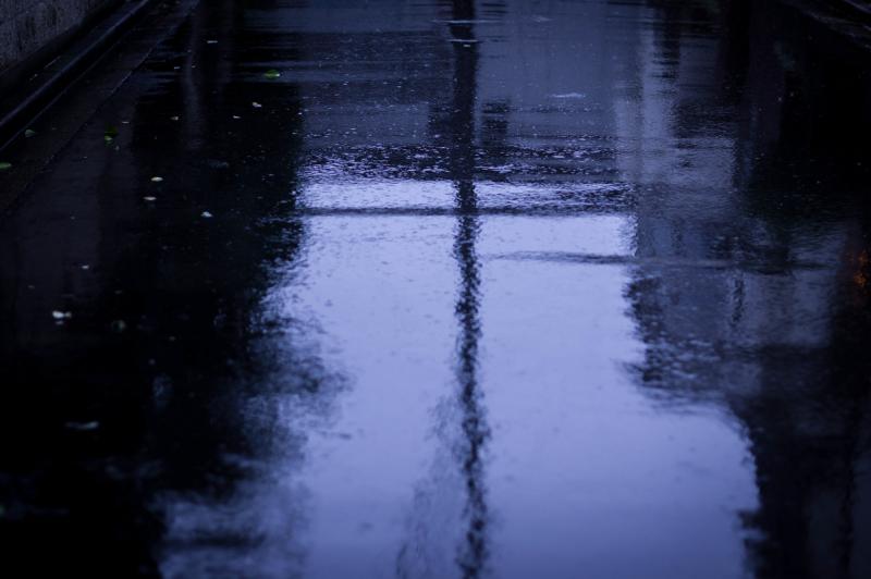 雨の日には。