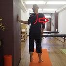 肩甲骨のストレッチに関する注意点 ~動かすよりも、滑らすイメージで~の記事より