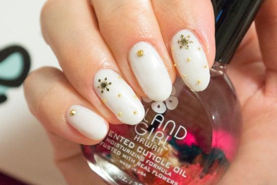 ジェリーネイル 雪の結晶で可愛く ホワイト冬ネイル☆|ジェルネイル やり方 自宅で簡単セルフジェルネイル