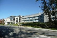 カナダバンクーバーサマーキャンプ、SFU キャンパス