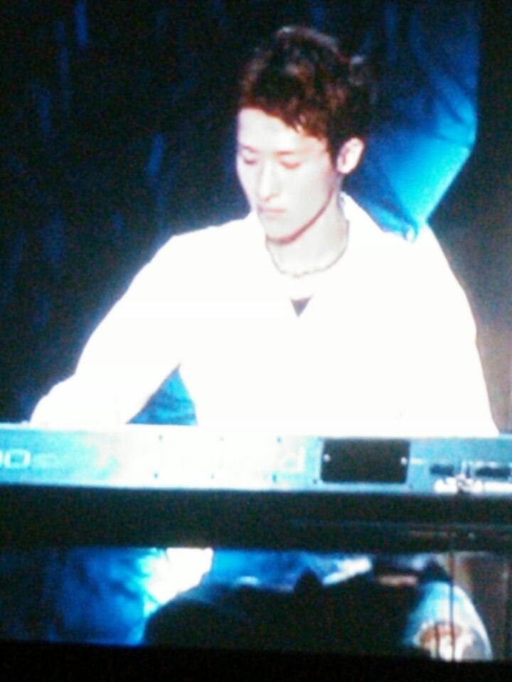 「岩本照 ピアノ」の画像検索結果