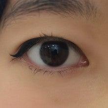 モアコン黒目スタッフ|裸眼