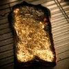 マンガみたいな大失敗した朝食の丸焦げ食パンの画像