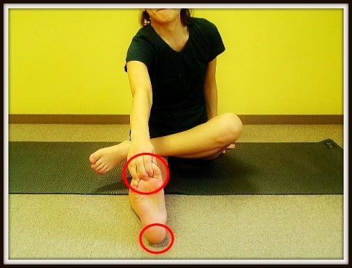 反り膝の治し方 反り膝 ふくらはぎのむくみ 改善ストレッチ