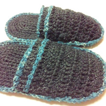 裂き編みでスリッパ