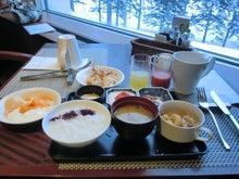 ゲレンデの朝食