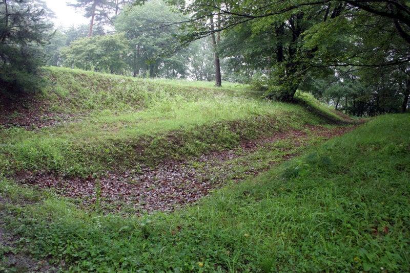 松岡城/⑩一の堀と土塁